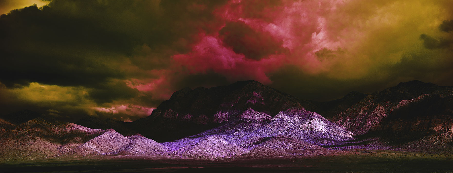 infra_red_purple_mountains